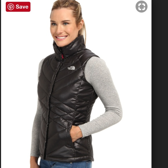 c354951d7 The North Face Women's Aconcagua Vest. M_5aafcf41a6e3ea6aa25ba7a7